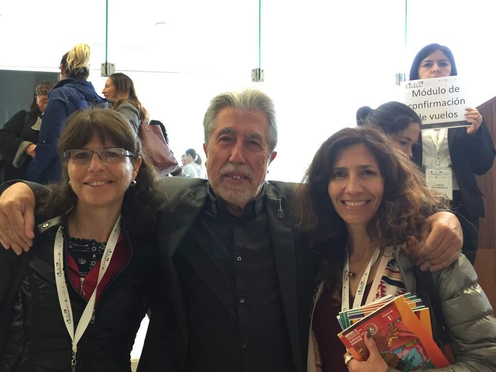 Junto al autor Jordi Sierra y Fabra